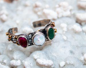 Bratara argint antichizat cu perla, smarald rubin safir turcoaz 1